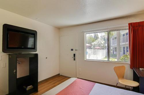 Motel 6 Santa Barbara - Carpinteria North - Carpinteria, CA 93013