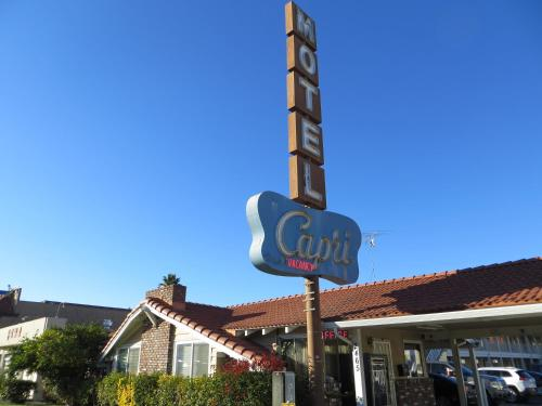 Capri Motel photo 16