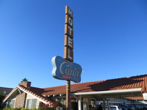 Capri Motel photo 18