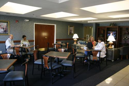 Hampton Inn Williamston Photo