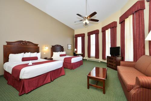 BEST WESTERN The Hotel Chequamegon Photo