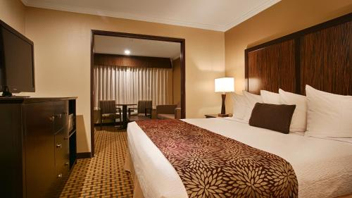 Best Western Plus Orchid Hotel & Suites Photo