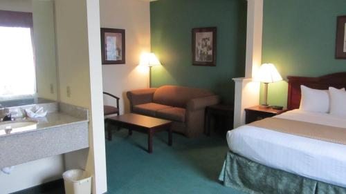 Best Western Fountainview Inn & Suites Near Galleria - Houston, TX 77057