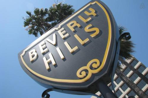 #1 Sunny 2 Bedroom Flat By Beverly Hills - Los Angeles, CA 90035