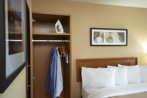 Comfort Inn Cobourg Photo