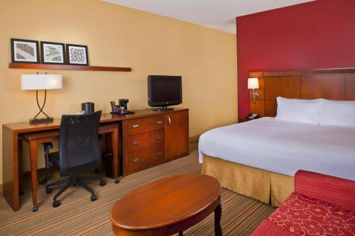 Courtyard by Marriott Orlando Airport photo 13