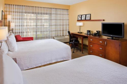 Courtyard by Marriott Orlando Airport photo 16