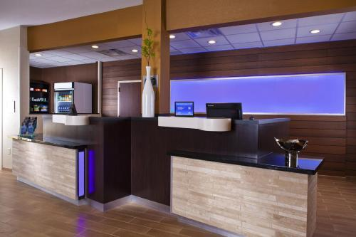Fairfield Inn & Suites Houston Hobby Airport photo 7