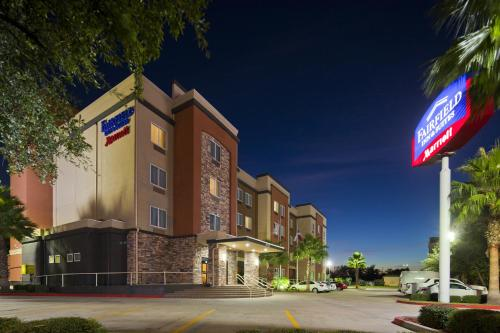 Fairfield Inn & Suites Houston Hobby Airport photo 9