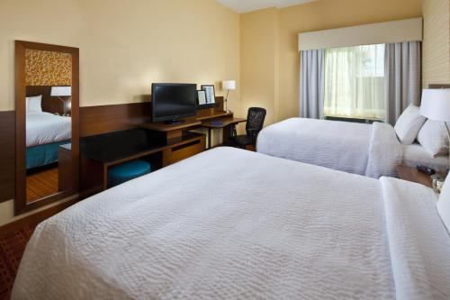 Fairfield Inn & Suites Houston Hobby Airport photo 20