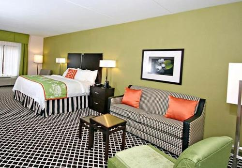 Fairfield Inn Suites Elkin Jonesville Photo