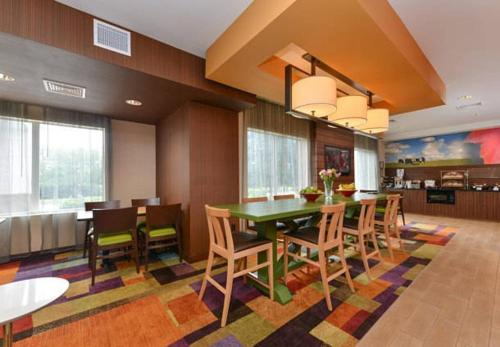 Fairfield Inn and Suites by Marriott Nashville Smyrna Photo