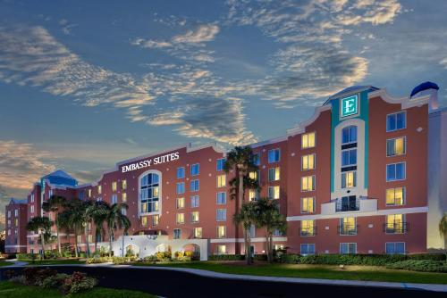 Embassy Suites by Hilton- Lake Buena Vista Resort Photo