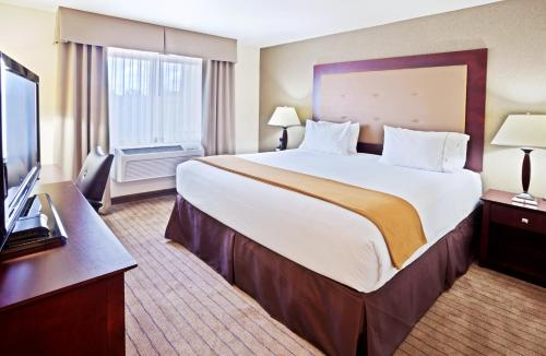 Holiday Inn Express Portland South - Lake Oswego Photo