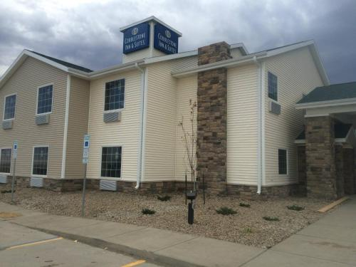 Cobblestone Inn & Suites Steele Photo