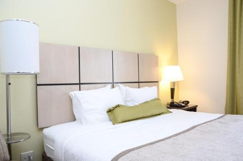 Candlewood Suites Greeley Photo