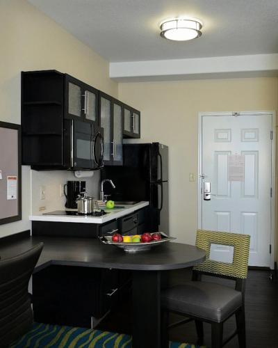 Candlewood Suites Denver Northeast - Brighton Photo
