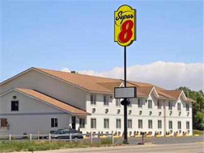 Photo of Super 8 Sheridan Hotel Bed and Breakfast Accommodation in Sheridan Wyoming