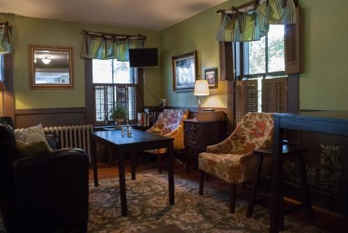 The Monadnock Inn Photo
