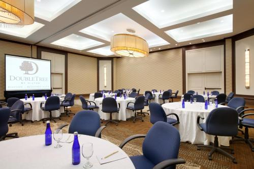 DoubleTree by Hilton Boston/Bedford Glen Photo