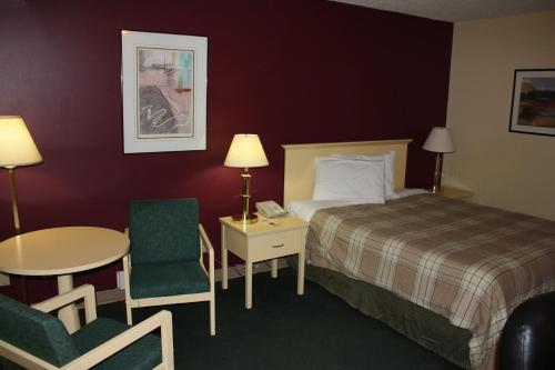 Northwoods Inn & Suites Photo