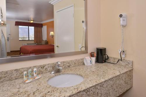 Quality Inn Lake Elsinore - Lake Elsinore, CA 92530