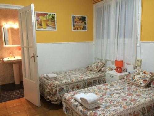 Hostal Valls photo 34