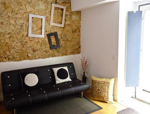 http://www.booking.com/hotel/pt/house-santa-catarina.html?aid=1728672