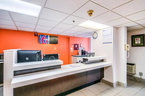 Motel 6 Chicago South - Lansing Photo