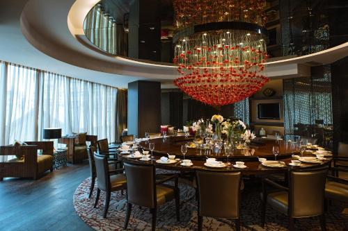 Renaissance Beijing Wangfujing Hotel, A Marriott Luxury & Lifestyle Hotel photo 9