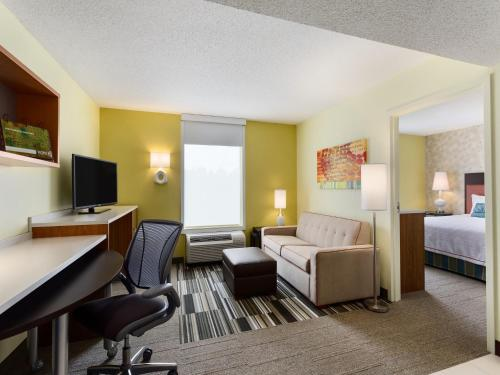Home2Suites Cranberry Photo