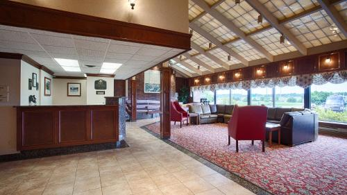 Best Western Plus Portsmouth Hotel & Suites Photo