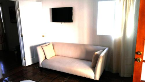 #5 Sunny Flat West Hollywood - Los Angeles, CA 90046