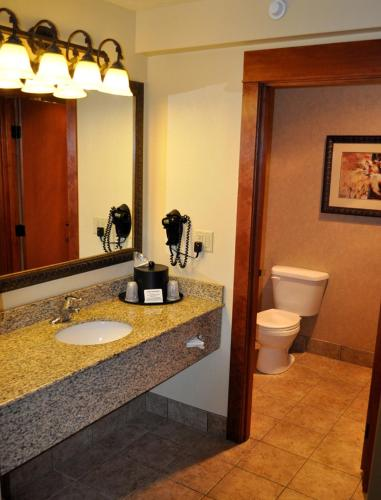 Comfort Inn & Suites Lincoln City Photo