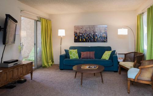 One-Bedroom Old Town Scottsdale Condo Photo
