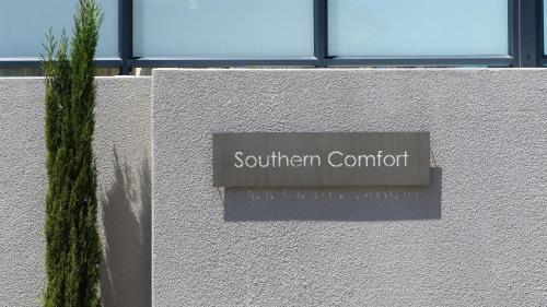 Southern Comfort Guest Lodge Photo