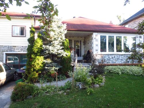 North York BB Bed & Breakfast Photo