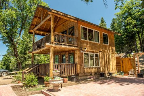 Precious Forest Mountain Glamping Retreat - Lucerne, CA 95485