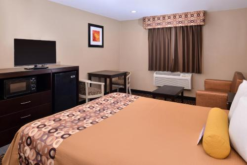 Americas Best Value Inn & Suites Madera Photo