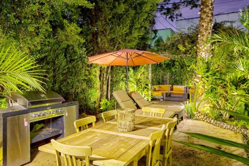 West Hollywood Place - Los Angeles, CA 90036