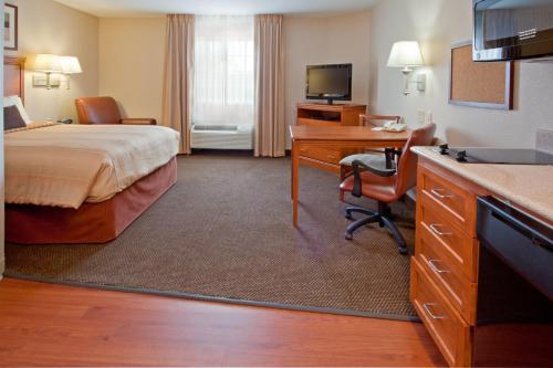Candlewood Suites Houston NW - Willowbrook photo 8
