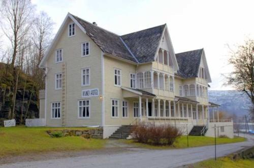 Visnes Hotel Photo