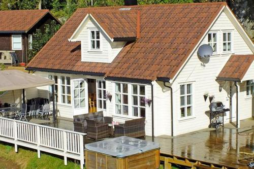 Four-Bedroom Holiday home in Farsund 1, Фарсунд