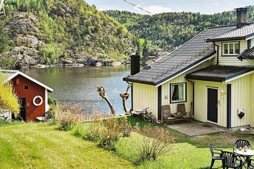 Four-Bedroom Holiday home in Sanddal, Stabbestad
