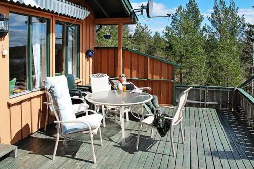 THREE BEDROOM HOLIDAY HOME IN