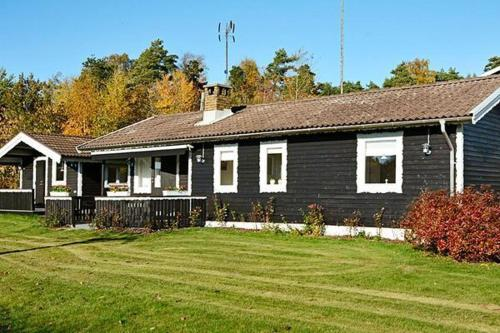 Three-Bedroom Holiday home in Frillesås