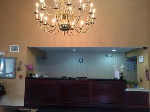 Executive Inn and Suites Baker Photo