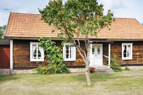 Two-Bedroom Holiday home in Byxelkrok 2