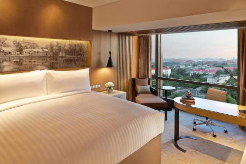 Renaissance Beijing Wangfujing Hotel, A Marriott Luxury & Lifestyle Hotel photo 28