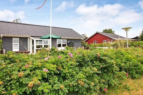 Two-Bedroom Holiday home in Haderslev 7, Flovt